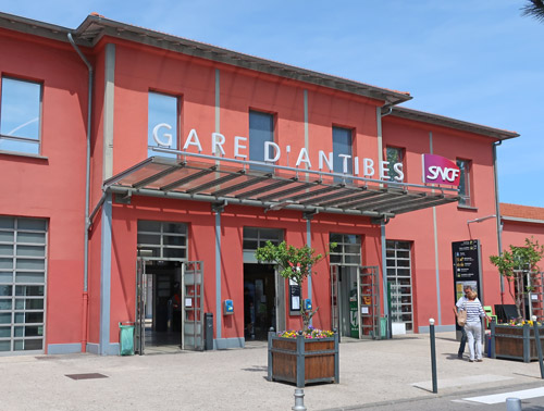 Antibes Train Station